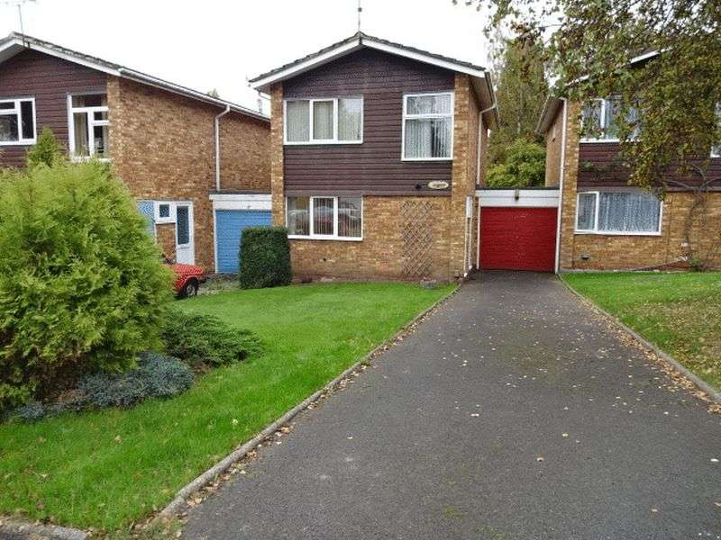 3 Bedrooms Detached House for sale in Belvedere Close, Kidderminster DY10 3AT