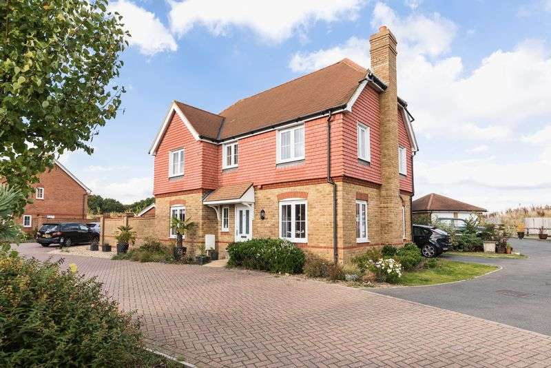 4 Bedrooms Detached House for sale in Elm Tree Close, Hassocks, West Sussex,