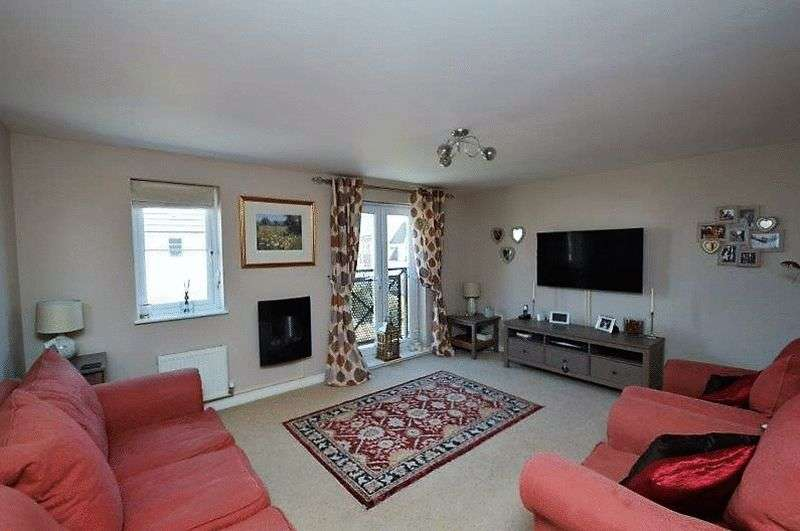 4 Bedrooms Terraced House for sale in Magnolia Way, Costessey
