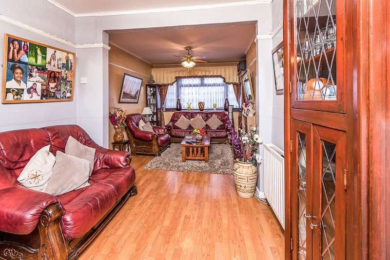 3 Bedrooms Semi Detached House for sale in East Rochester Way, Sidcup, DA15