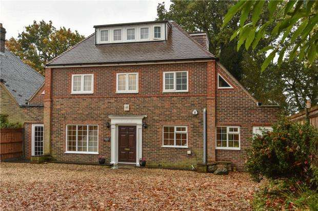 5 Bedrooms Semi Detached House for sale in Alma Lane, Farnham, Surrey