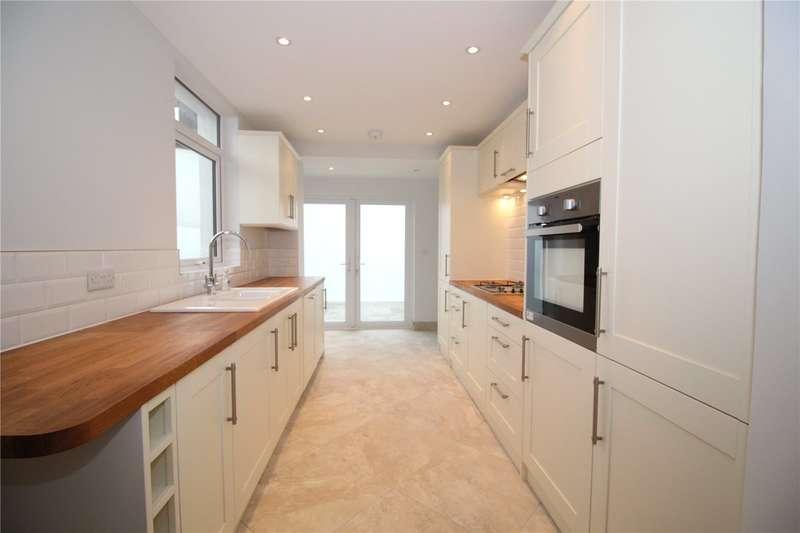 3 Bedrooms End Of Terrace House for sale in Becket Road, Tarring, Worthing, BN14