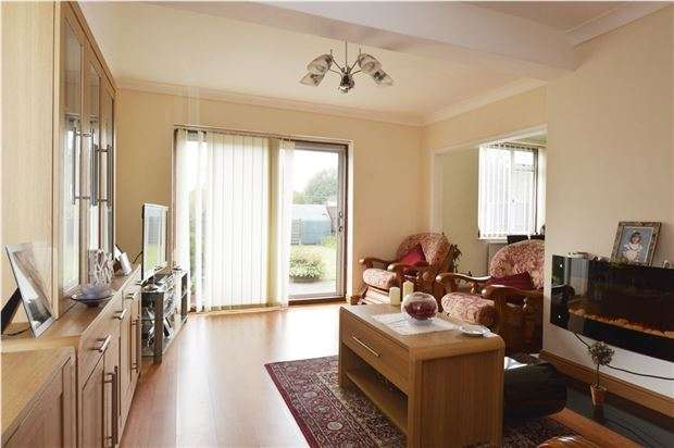 3 Bedrooms Semi Detached House for sale in Malmstone Avenue, Merstham, REDHILL, RH1 3NB