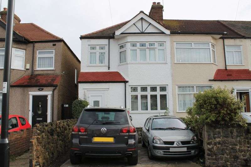 3 Bedrooms Terraced House for sale in Newbury Avenue, Enfield