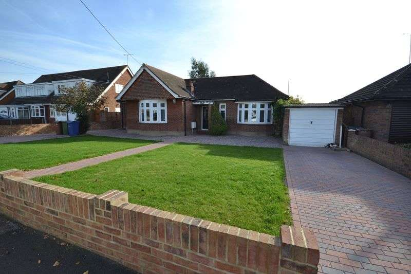 3 Bedrooms Detached Bungalow for sale in Branksome Avenue, Stanford-Le-Hope