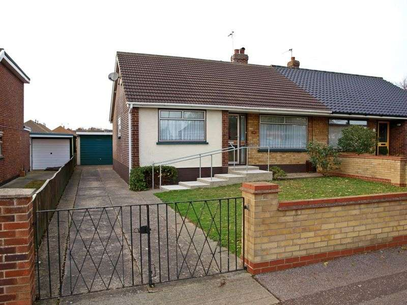 3 Bedrooms Semi Detached Bungalow for sale in Lowestoft