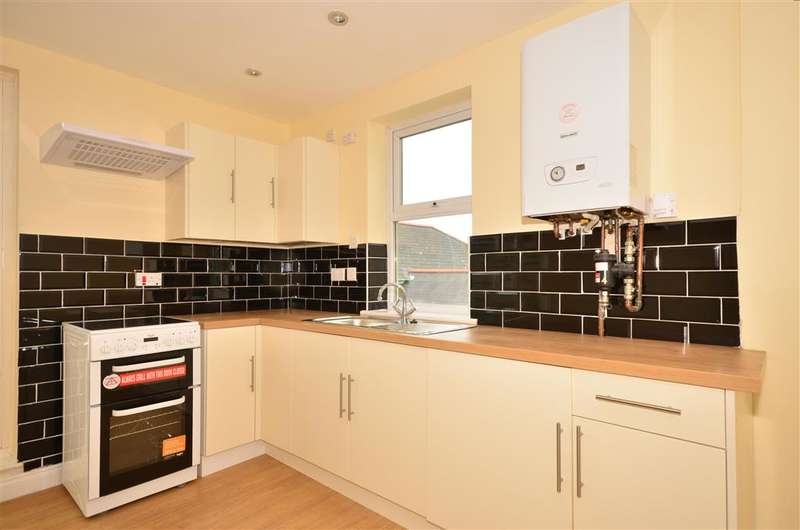 2 Bedrooms Flat for sale in Madeira Road, Ventnor, Isle of Wight