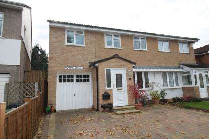3 Bedrooms House for sale in Benford Close, Downend, Bristol