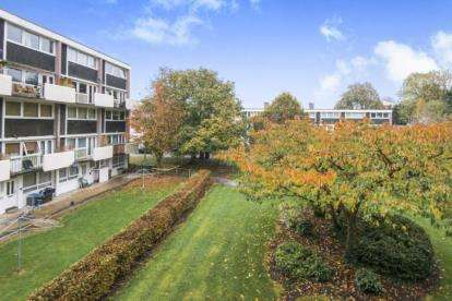3 Bedrooms Flat for sale in Banning Street, Romsey, Hampshire