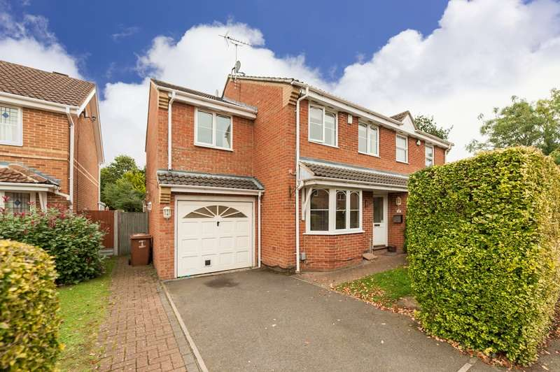 3 Bedrooms Semi Detached House for sale in Edinburgh drive, Watford, Hertfordshire, WD5