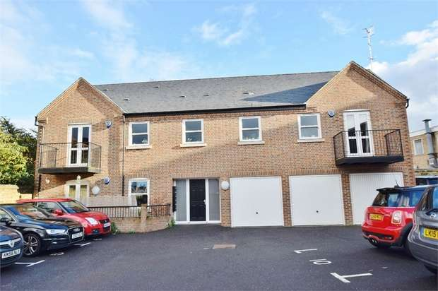 1 Bedroom Flat for sale in Museum Mews, Rudolph Road, BUSHEY, Hertfordshire