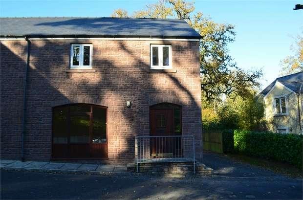 3 Bedrooms Semi Detached House for sale in Parc Pencrug, Llandeilo, Carmarthenshire