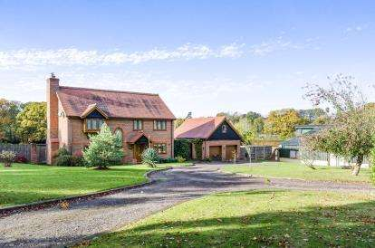 4 Bedrooms Equestrian Facility Character Property for sale in Curdridge, Southampton, Hants