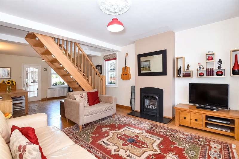 2 Bedrooms End Of Terrace House for sale in The Greenway, Gerrards Cross, Buckinghamshire, SL9