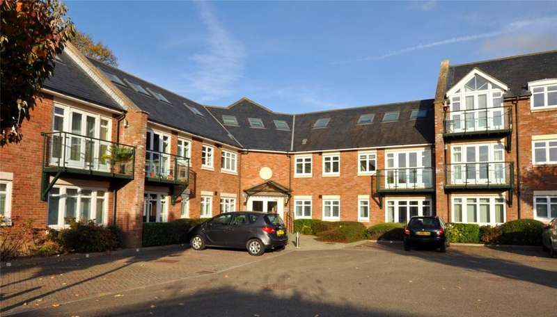 2 Bedrooms Apartment Flat for sale in William Cawley Mews, Broyle Road, Chichester, West Sussex, PO19