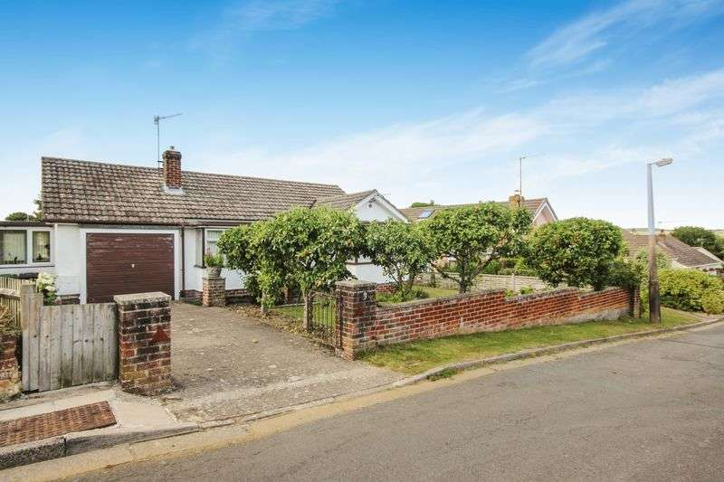 2 Bedrooms Detached Bungalow for sale in ST MICHAELS, WILTON, SP2