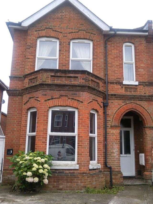9 Bedrooms Semi Detached House for rent in Alma Road, Portswood, Southampton