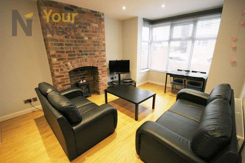 4 Bedrooms Terraced House for rent in Headingley Avenue, Headingley, LS6 3EP