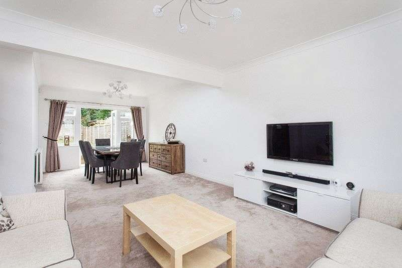 3 Bedrooms Semi Detached House for sale in The Glade, Bickley, Bromley