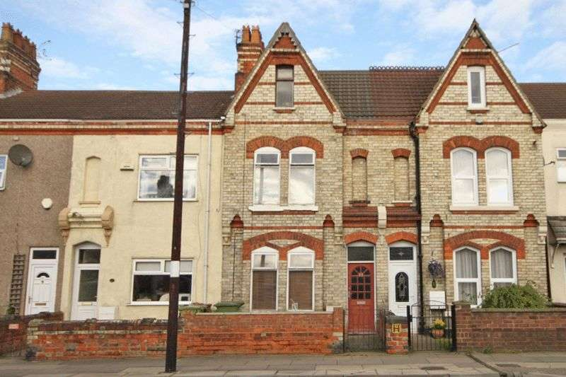 3 Bedrooms Terraced House for sale in CROMWELL ROAD, GRIMSBY