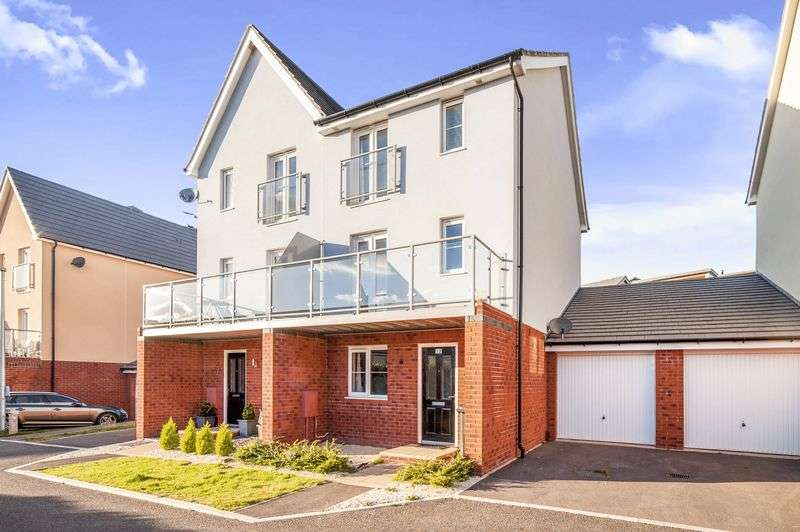 3 Bedrooms Semi Detached House for sale in Triumph Place, Teignmouth TQ14