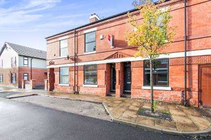 3 Bedrooms Terraced House for sale in Rosebery Street, Moss Side, Manchester, Greater Manchester
