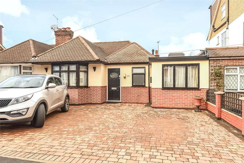 3 Bedrooms Semi Detached Bungalow for sale in Jubilee Drive, South Ruislip, Middlesex, HA4
