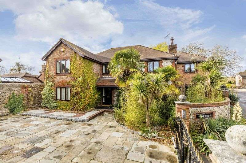 7 Bedrooms Detached House for sale in West Drive, Angmering, West Sussex