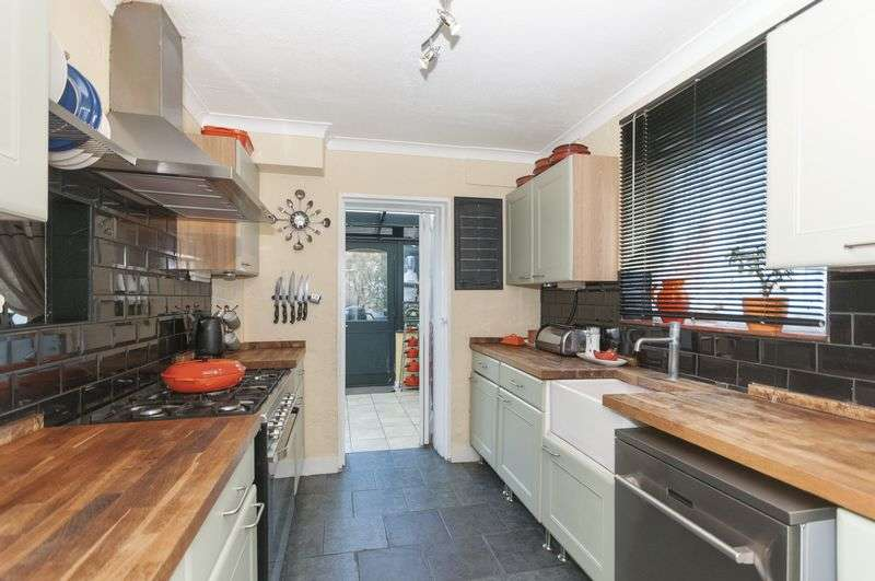 3 Bedrooms Semi Detached House for sale in Adversane Road, Worthing