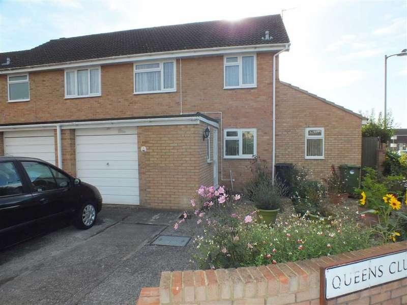 3 Bedrooms Property for sale in Queens Club Gardens, Trowbridge, Wiltshire, BA14