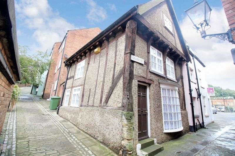 3 Bedrooms Semi Detached House for sale in Quay Street, Old Town