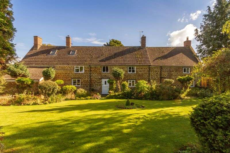 4 Bedrooms Detached House for sale in Rose Garden Farmhouse, Byfield