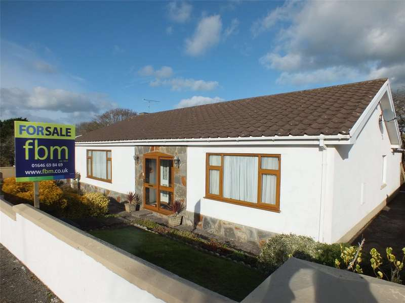 3 Bedrooms Detached Bungalow for sale in Priory Lodge Close, Milford Haven