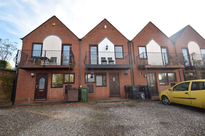 3 Bedrooms Property for sale in Lansdowne Mews, Worcester