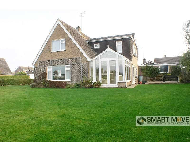 4 Bedrooms Detached House for sale in Drapers Close, Warmington, North Hamptonshire. PE8 6UQ