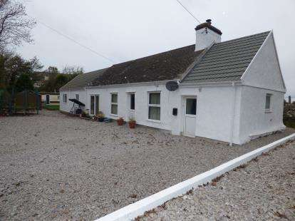 4 Bedrooms Bungalow for sale in Pensarn, Anglesey, Sir Ynys Mon, United Kingdom, LL69