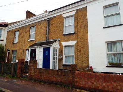 2 Bedrooms Terraced House for sale in Westcliff-On-Sea, Essex
