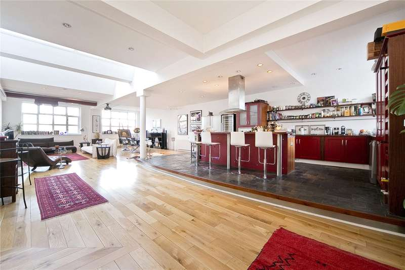 4 Bedrooms Flat for sale in Shepherdess Walk, Islington, N1