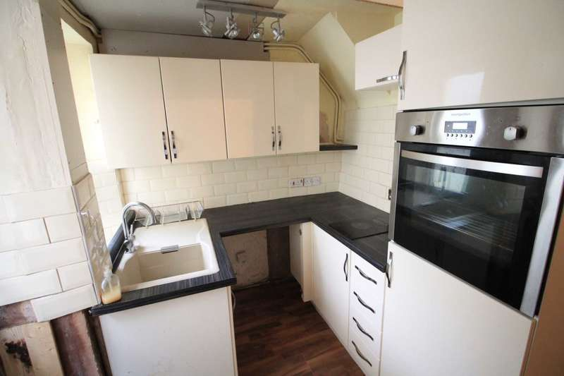 2 Bedrooms Terraced House for sale in East Looe