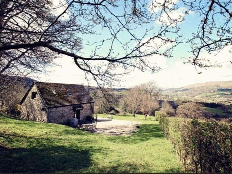 2 Bedrooms Detached House for sale in Llangattock, Crickhowell