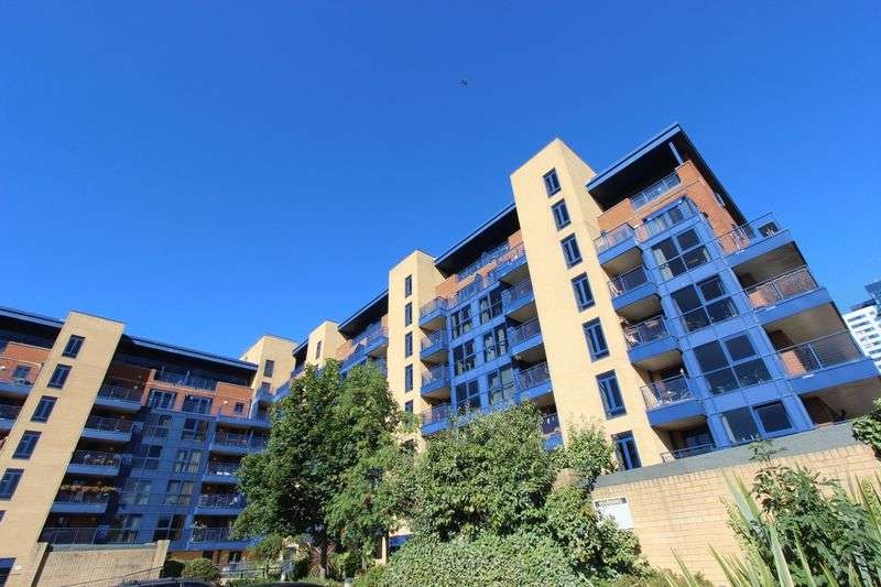 2 Bedrooms Flat for sale in Ocean Village