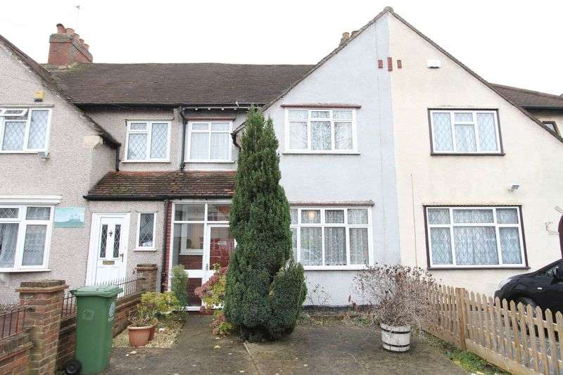 3 Bedrooms Terraced House for sale in Caldbeck Avenue, Worcester Park