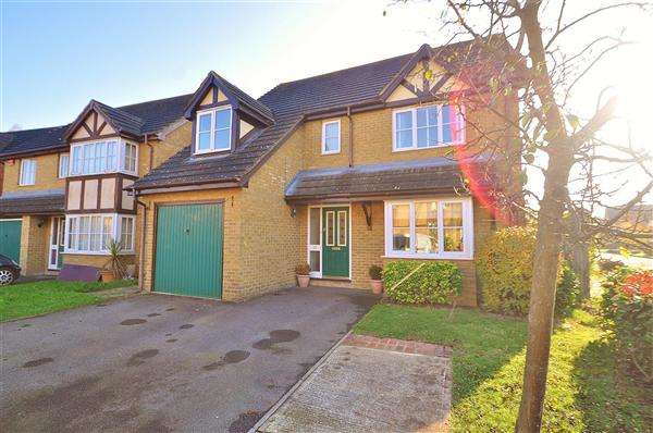 4 Bedrooms Detached House for sale in Kingsnorth, Ashford, TN23