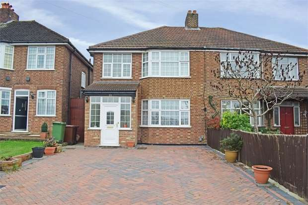 3 Bedrooms Semi Detached House for sale in Dove Lane, Potters Bar, Hertfordshire