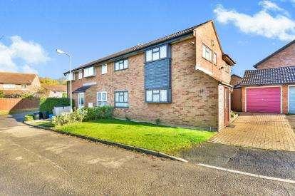 3 Bedrooms Semi Detached House for sale in Barleycroft, Furzton, Milton Keynes, Bucks