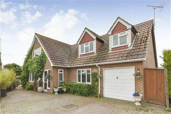4 Bedrooms House for sale in The Spinney, Dunstall Gardens, St Mary's Bay