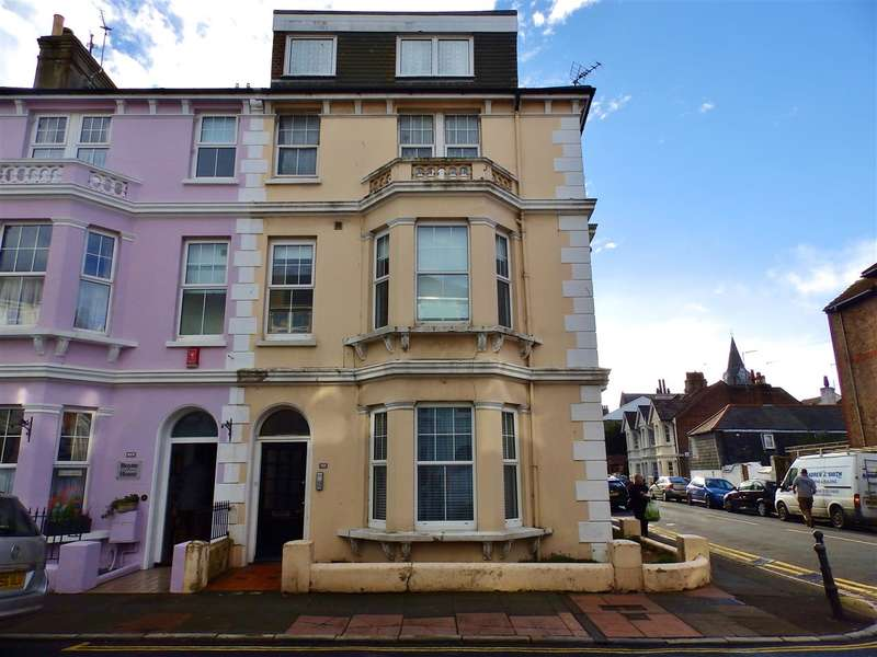 2 Bedrooms Apartment Flat for sale in St Aubyns Road, Eastbourne