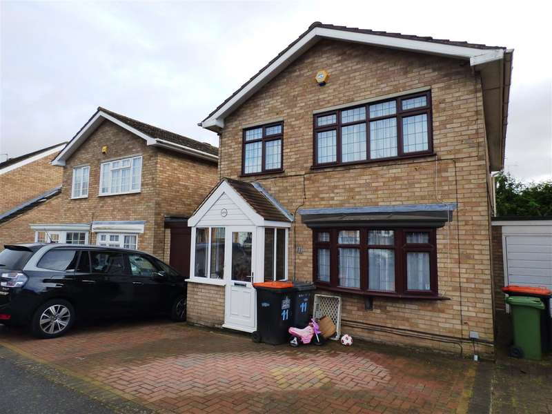 4 Bedrooms Property for sale in Birchside, Dunstable