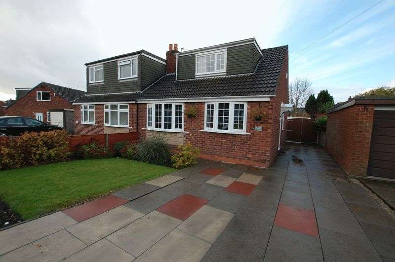 3 Bedrooms Semi Detached Bungalow for sale in Park Road, Bolton