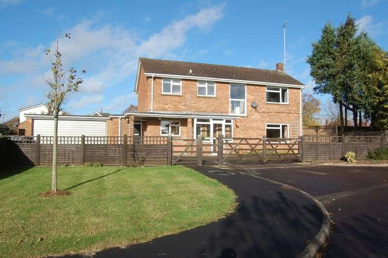 4 Bedrooms Detached House for sale in Chestnut House, Alresford